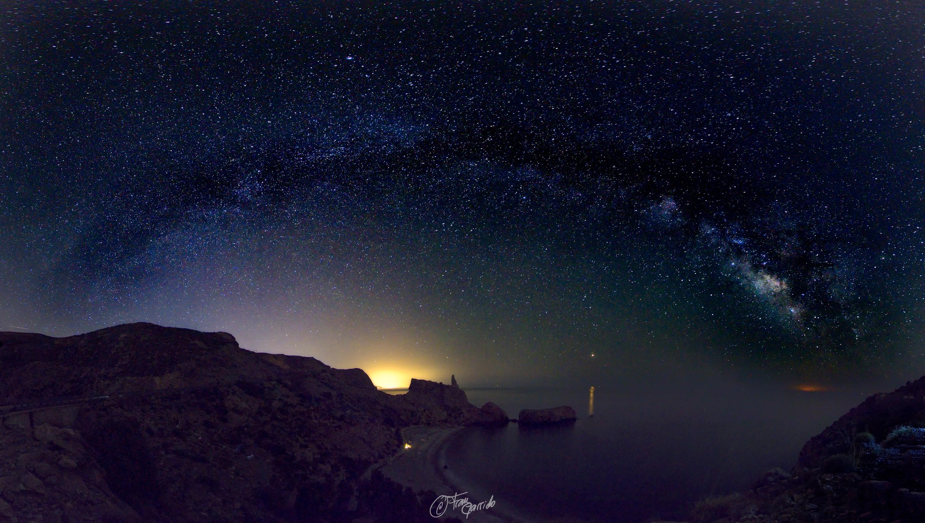 Vía Láctea. Playa de la Rijana