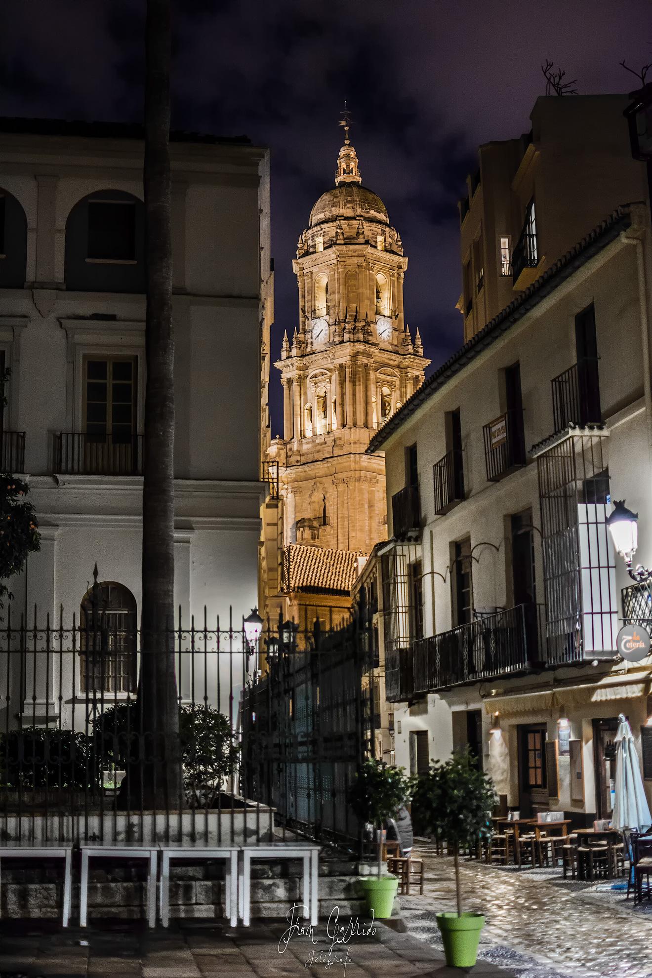 Catedral de Málaga desde calle San Agustin